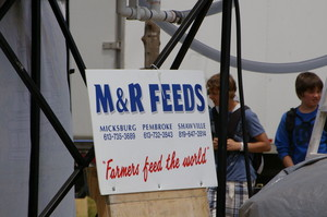 M&R Feeds Signage at Expo 150