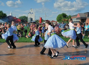 Square Dancing in Shawville | Photo courtesy of the Pontiac Journal.